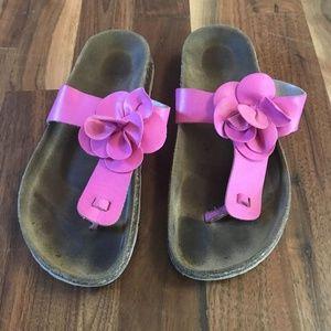 Birkenstock like Girls sandals fit like a 2
